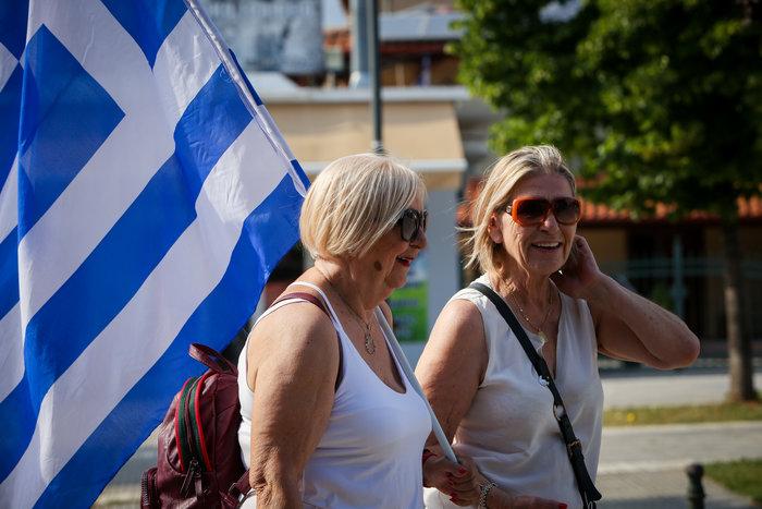 Δείτε Live εικόνα από τα συλλαλητήρια για τη Μακεδονία - εικόνα 2