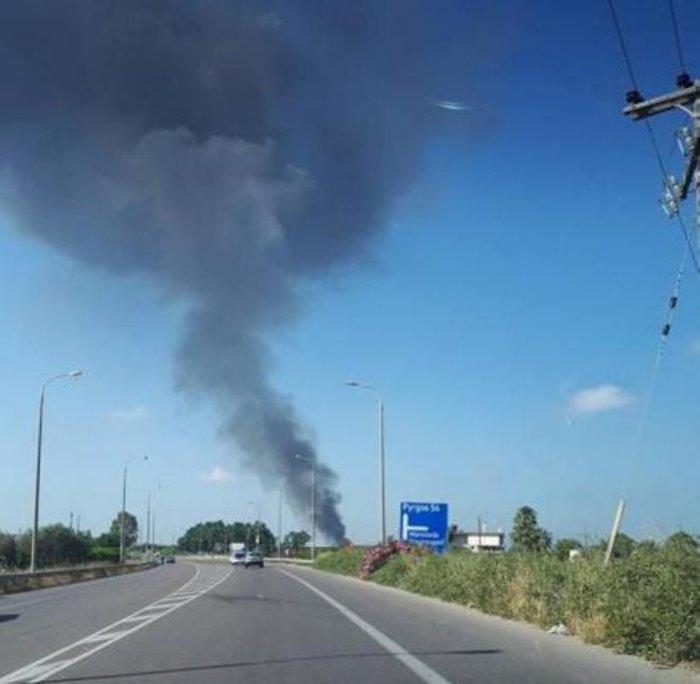 Πυρκαγιά σε καταυλισμό εργατών γης στη Μανωλάδα (φωτό)