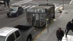 Αδιανόητο: Περαστικός στο Σαν Φρανσίσκο κλωτσά άστεγο στο κεφάλι