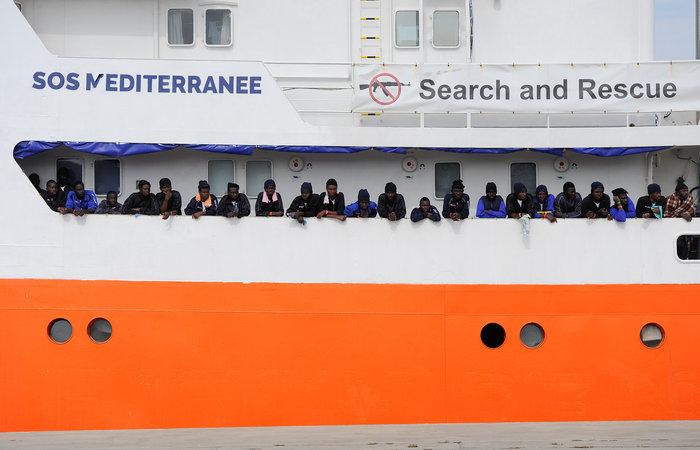 Μετωπική σύγκρουση Μάλτας-Ιταλίας για πλοίο με 600 μετανάστες - εικόνα 2