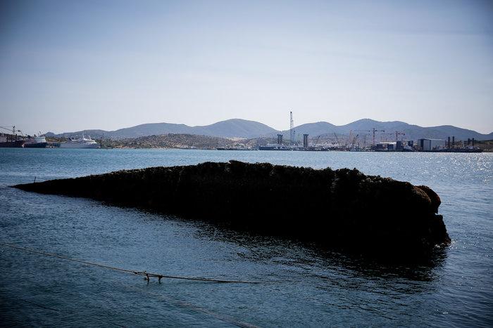 Έως αύριο θα έχει ολοκληρωθεί η ανέλκυση του «Corfu Island» - Eικόνες - εικόνα 4