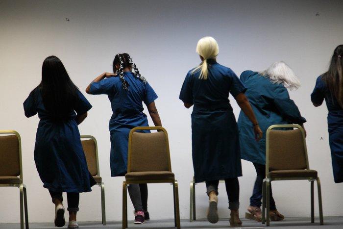 Οι χορευτές της Λυρικής στις φυλακές του Ελαιώνα - εικόνα 2
