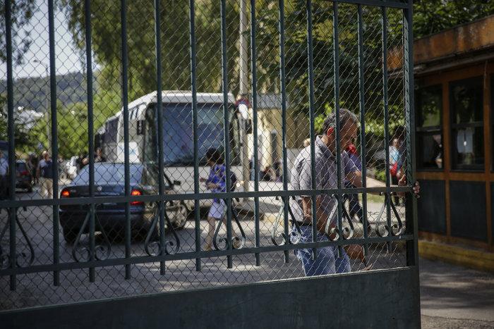 Στο αυτόφωρο οι 20 συλληφθέντες του Ρουβίκωνα για την επίθεση στο υπουργείο