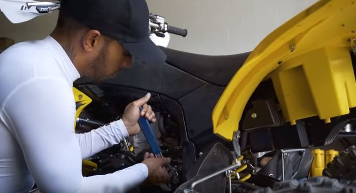 Lewis Hamilton: Ο άνθρωπος πίσω από τον θρυλικό πιλότο της F1 - εικόνα 3