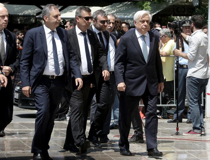 Πάνδημο «αντίο» στον Παύλο Γιαννακόπουλο - εικόνα 5