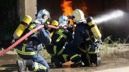 Πυρκαγιά στα Οινόφυτα: Σε εξέλιξη, δεν υπάρχει κίνδυνος επέκτασης