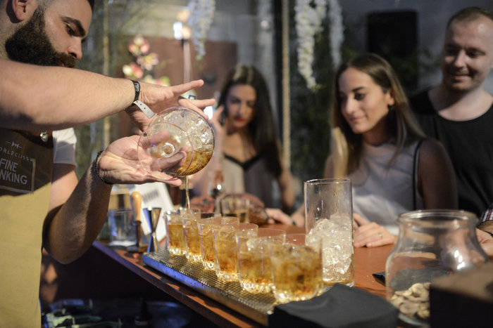 World Class Fine Drinking Athens: Η δεξιοτεχνία σε όλο της το μεγαλείο!