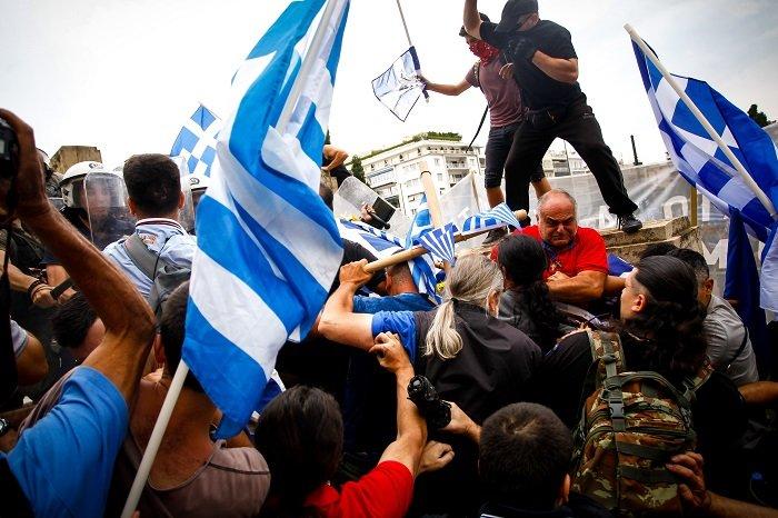 Σε εξέλιξη το συλλαλητήριο για τη Μακεδονία στο Σύνταγμα - εικόνα 3
