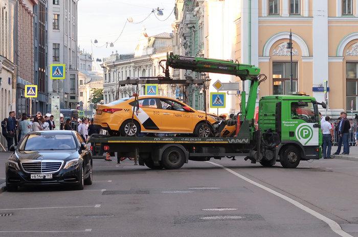 Ταξί έπεσε σε πεζούς στη Μόσχα - Επτά τραυματίες (φωτό)