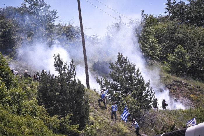 Επεισοδιακό συλλαλητήριο στο Πισοδέρι κατά της συμφωνίας - εικόνα 8