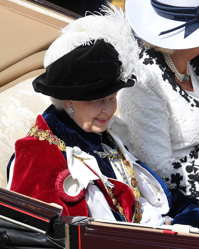 Η βασίλισσα Ελισάβετ γιόρτασε τα 700 χρόνια του Τάγματος της Περικνημίδας - εικόνα 3