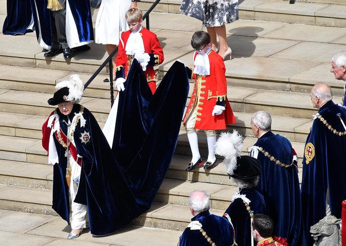 Η βασίλισσα Ελισάβετ γιόρτασε τα 700 χρόνια του Τάγματος της Περικνημίδας - εικόνα 5