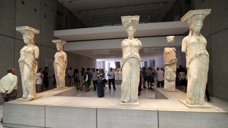 1666286-episkeptes-ton-teleutaio-xrono-sto-mouseio-akropolis