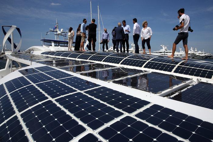 Εικόνες από το Energy Observer στη Μαρίνα Φλοίσβου