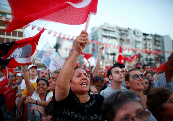 Μεγαλειώδης προεκλογική συγκέντρωση του Μουχαρέμ Ιντσέ στη Σμύρνη - εικόνα 2