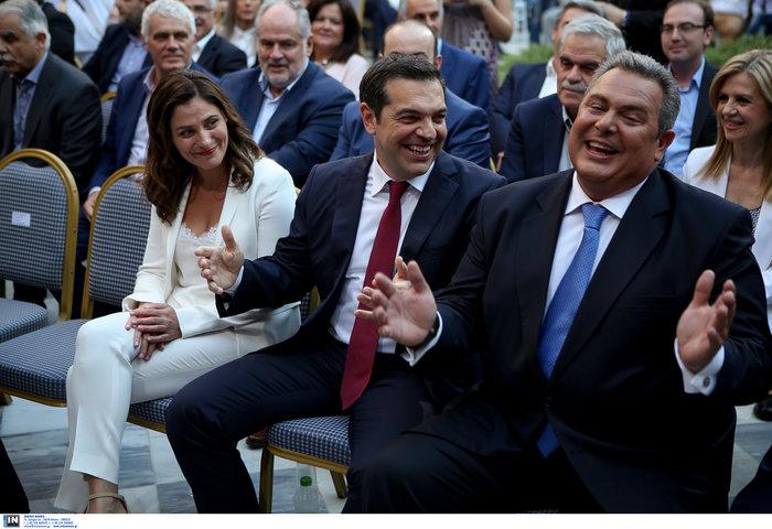 Η κόκκινη γραβάτα του πρωθυπουργού - Φωτογραφίες - εικόνα 7