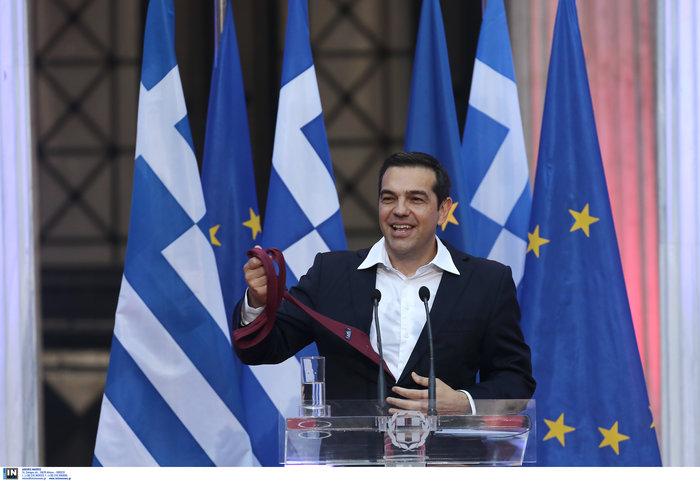 Ο Τσίπρας φόρεσε τη γραβάτα τόσο... όσο - ΕΙΚΟΝΕΣ - εικόνα 5