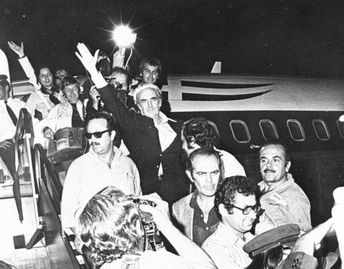 Επιστροφή στην Ελλάδα 1974 © ΑΠΕ/ΜΠΕ