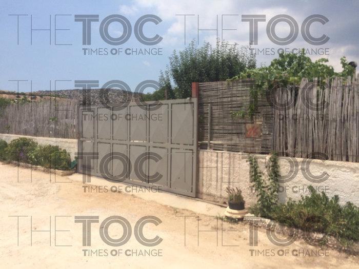 Σε αυτό το σπίτι στο Κορωπί κρυβόταν ο δραπέτης της Αργυρούπολης- εικόνες - εικόνα 2