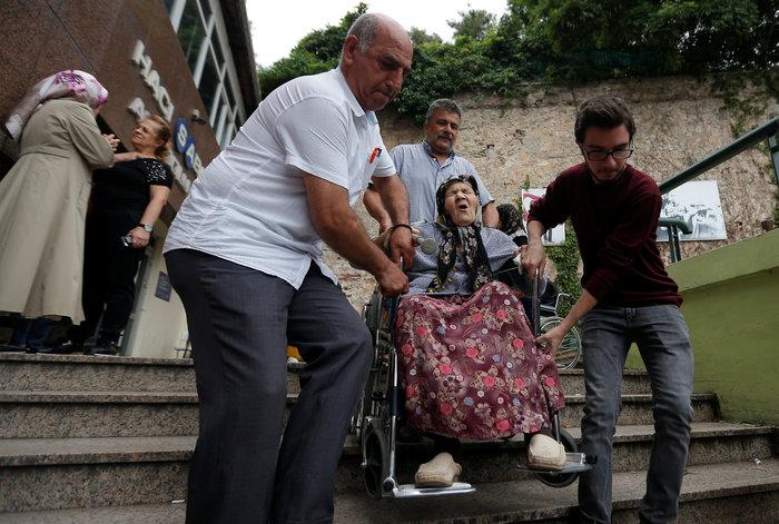 Τουρκικές εκλογές: Στο 54 % ο Ερντογάν, στο 29,9% ο Ιντζέ - εικόνα 15