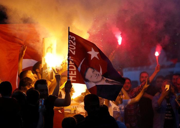 Παντοδύναμος ο Ερντογάν,  νίκη από τον α' γύρο στις προεδρικές - εικόνα 8