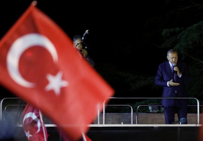 Κυρίαρχος ο Ερντογάν - Νοθεία καταγγέλλει η αντιπολίτευση