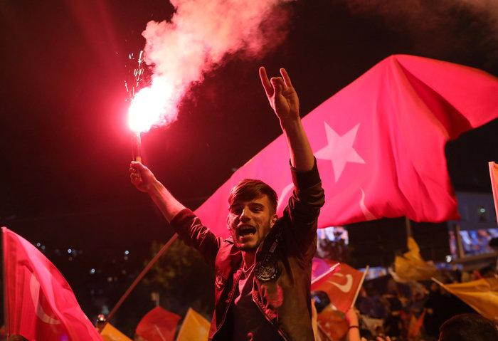 Κυρίαρχος ο Ερντογάν - Νοθεία καταγγέλλει η αντιπολίτευση - εικόνα 3