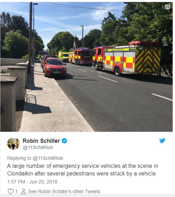 Αυτοκίνητο έπεσε πάνω σε πεζούς έξω από εκκλησία στο Δουβλίνο (φωτό)