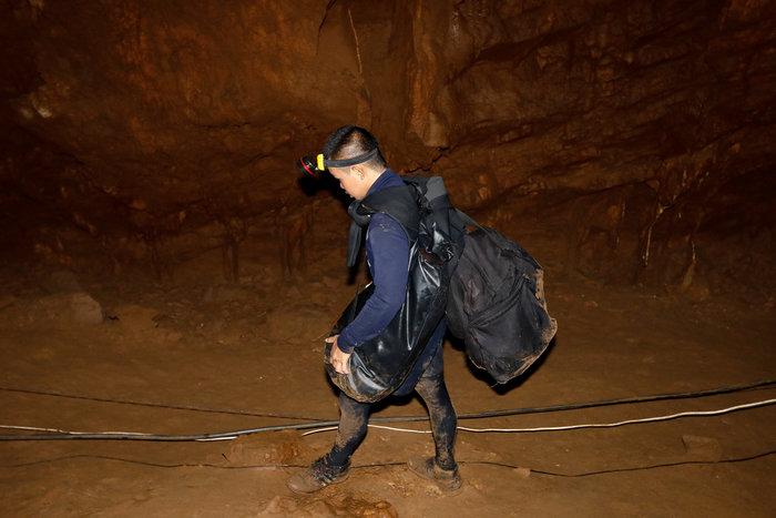 Παιδική ποδοσφαιρική ομάδα εγκλωβίστηκε σε σπηλιά στην Ταϊλάνδη - εικόνα 2