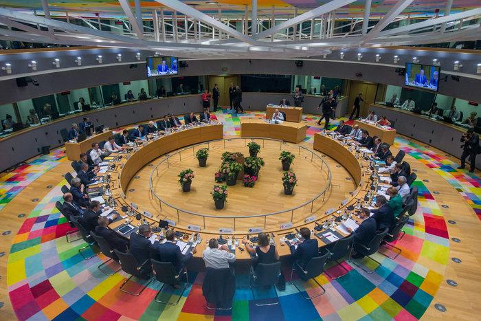Τι προβλέπει η συμφωνία της Συνόδου Κορυφής για το προσφυγικό - εικόνα 2