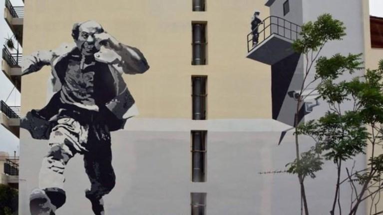 thanasis-beggos-o-kosmagapitos-se-ena-terastio-mural-sti-patra