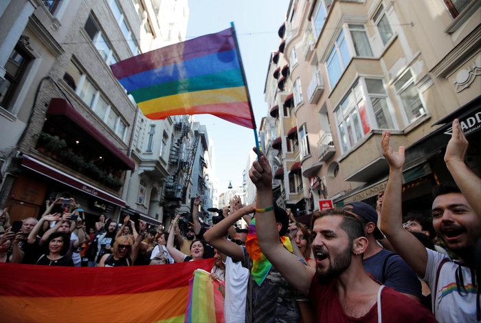 Gay pride στην Κωνσταντινούπολη παρά την απαγόρευση [Εικόνες]