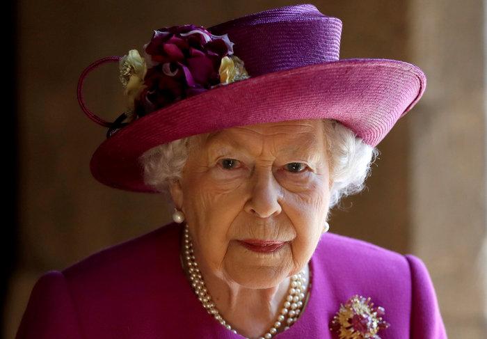 Σάλος στη Βρετανία: «Πέθαναν» τη βασίλισσα Ελισάβετ για να κάνουν πρόβα