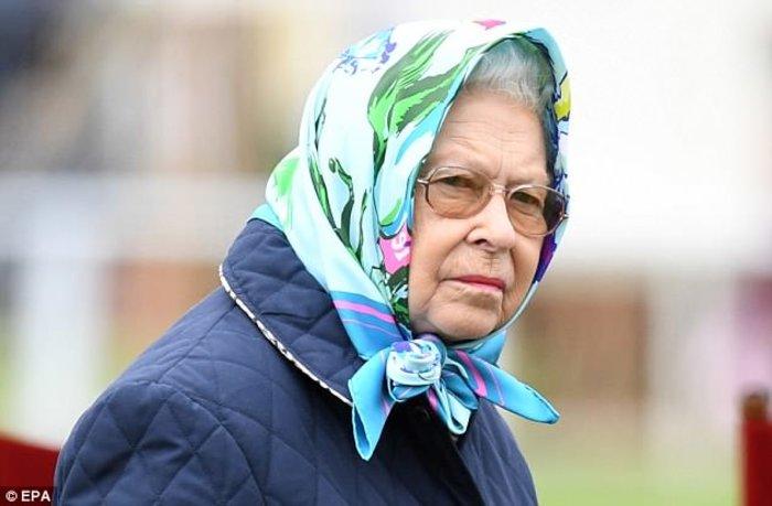 Σάλος στη Βρετανία: «Πέθαναν» τη βασίλισσα Ελισάβετ για να κάνουν πρόβα - εικόνα 3