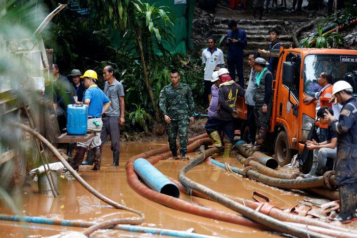 Ζωντανά σε σπηλιά τα 12 παιδιά & ο προπονητής που αγνοούνταν στην Ταϊλάνδη