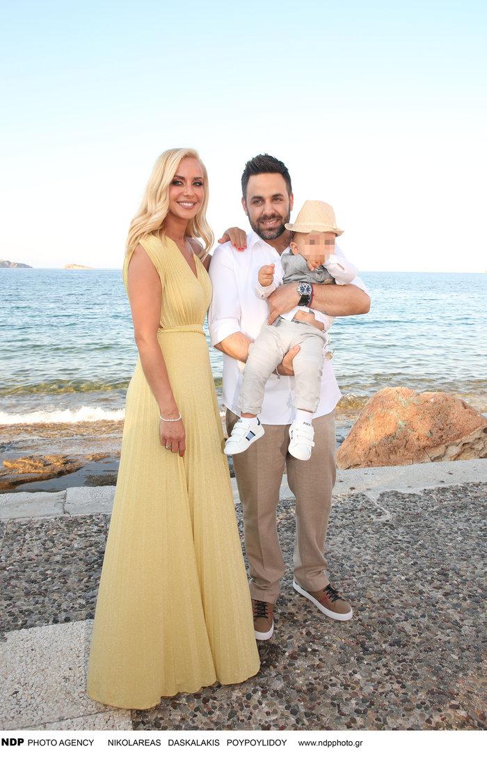 Γιαννιάς - Παντελιδάκη: Δείτε το άλμπουμ από τη βάπτιση του γιου τους - εικόνα 2