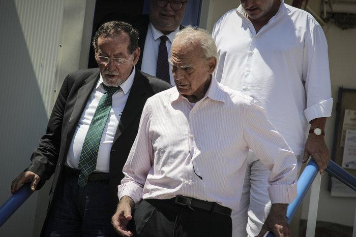 Αποφυλακίστηκε ο Άκης Τσοχατζόπουλος - Οι πρώτες εικόνες - εικόνα 5
