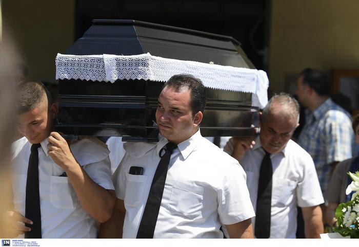 Το τελευταίο αντίο στην Τζ. Παπουτσή-Πλήθος κόσμου & θρήνος στην κηδεία της - εικόνα 5
