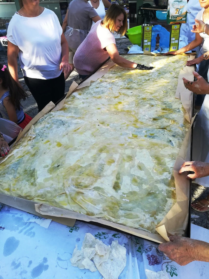 Αυτή είναι η μεγαλύτερη παραδοσιακή λαχανόπιτα της Ηπείρου