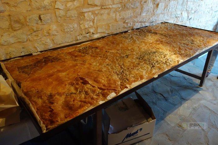 Αυτή είναι η μεγαλύτερη παραδοσιακή λαχανόπιτα της Ηπείρου - εικόνα 2