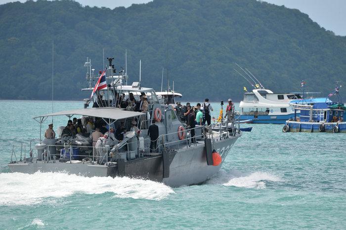 Στους 41 οι νεκροί από τη βύθιση πλοιαρίου στην Ταϊλάνδη