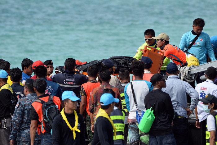 Στους 41 οι νεκροί από τη βύθιση πλοιαρίου στην Ταϊλάνδη - εικόνα 3