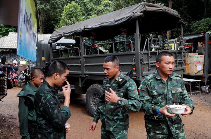Αγώνας δρόμου για τη διάσωση των 12 παιδιών στην Ταϊλάνδη