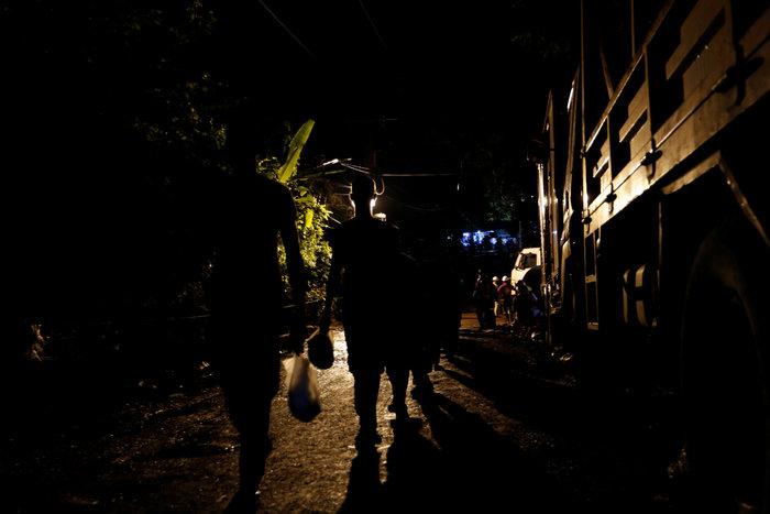 Ενα-ένα θα βγάζουν τα παιδιά από το σπήλαιο στηνΤαϊλάνδη