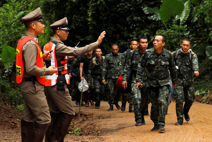 Ενα-ένα θα βγάζουν τα παιδιά από το σπήλαιο στηνΤαϊλάνδη - εικόνα 4