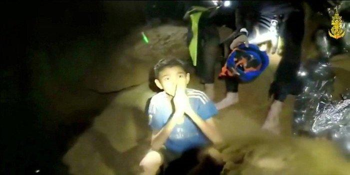 Απεγκλωβίστηκε και όγδοο παιδί από το σπήλαιο της Ταϊλάνδης - εικόνα 4