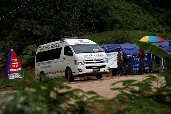 Απεγκλωβίστηκε και όγδοο παιδί από το σπήλαιο της Ταϊλάνδης - εικόνα 3