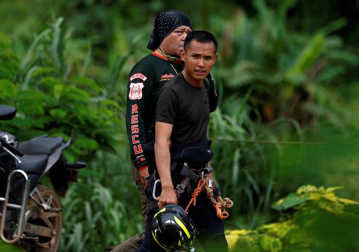 Απεγκλωβίστηκε και όγδοο παιδί από το σπήλαιο της Ταϊλάνδης - εικόνα 8