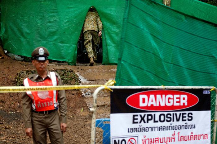 Απεγκλωβίστηκε και όγδοο παιδί από το σπήλαιο της Ταϊλάνδης - εικόνα 9