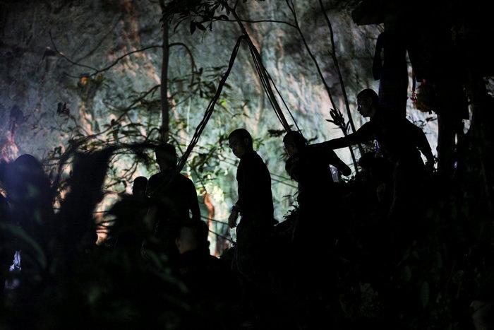 Απεγκλωβίστηκε και όγδοο παιδί από το σπήλαιο της Ταϊλάνδης - εικόνα 10